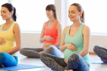 Homepage - Home_Yoga-Wageningen_zwangerschaps-yoga_600x400.jpg