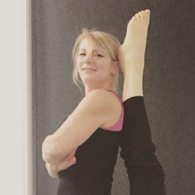 docenten - yoga-wageningen-docent-linda_vierkant