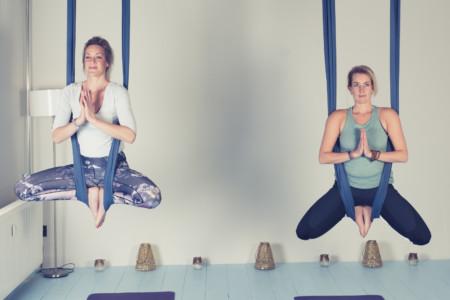 Aerial-yoga - Yoga-Wageningen-Yogaschooltje_DSC02301